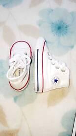 Converse (size 4)