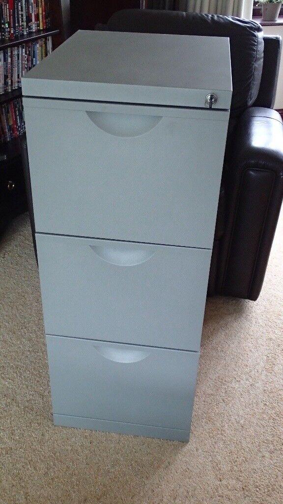 3 Drawer metal fling cabinet