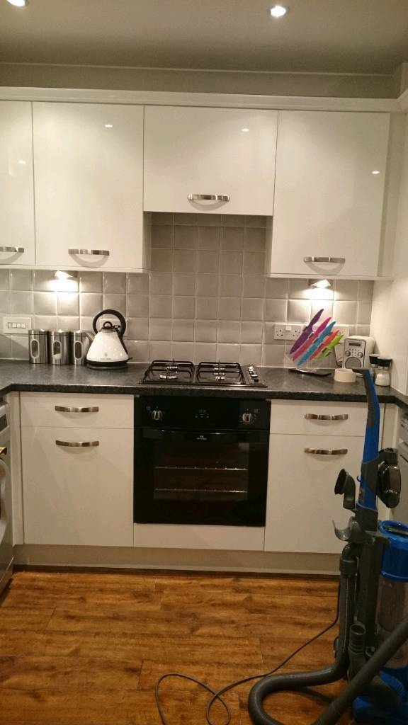 White Gloss Kitchen Doors And Drawer Fronts B Q In Newton