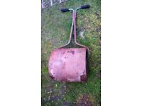 garden roller for display only.as very old circa 1970's...for display only