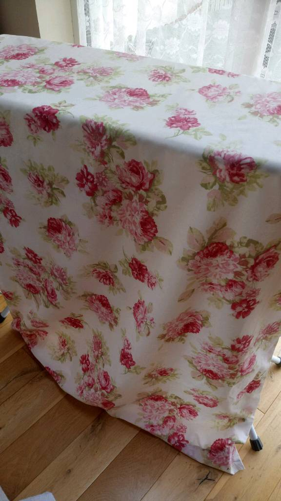 Pair of Curtains from Dunelm 64 w 71 d. Shabby chic. Cottage style.