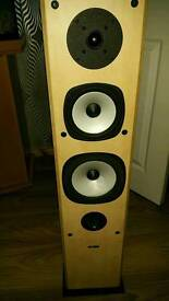 A&E pair of quality speakers