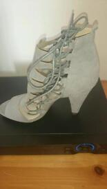 Grey cone heel lace up shoe size 4