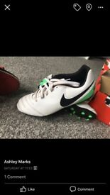 *Excellent condition*Nike Tiempo football boots (size 3)