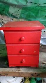 Small wooden 3 drawer chest of drawers