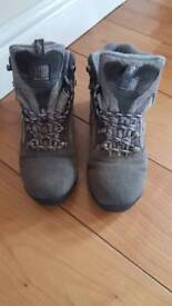 Women's size 4 walking boots
