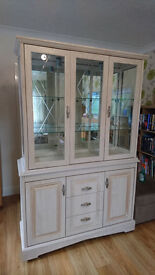 Lime Oak Display Cabinet & Display Corner Unit