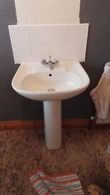 Bathroom Suite & Radiator