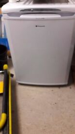 **HOTPOINT**UNDERCOUNTER FREEZER**ONLY £60**60CM WIDE**COLLECTION\DELIVERY**NO OFFERS**