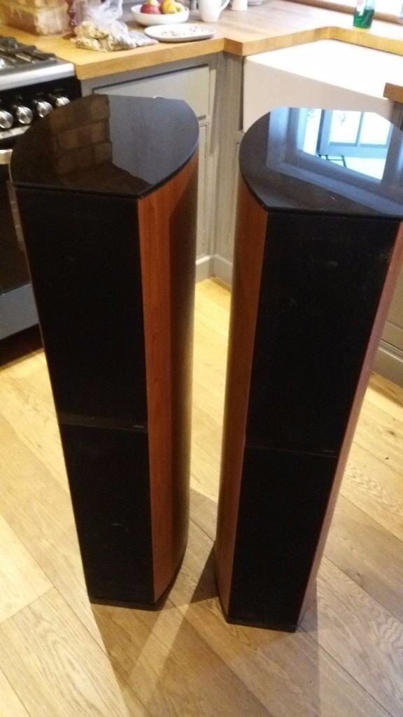 Pair of 200W Jamo Large Floor Speakers - D590, Cherry Wood in Great Condition