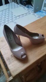 Nude patent heeled platform shoes size 6