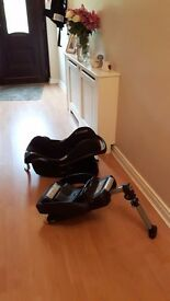 2 Maxi cosi Iso fix bases and free car seat