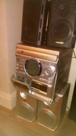 Hi fi stereo system with set of FREE toshiba speakers