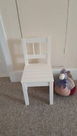 Small childs chair, strong solid wood construction in very good condition