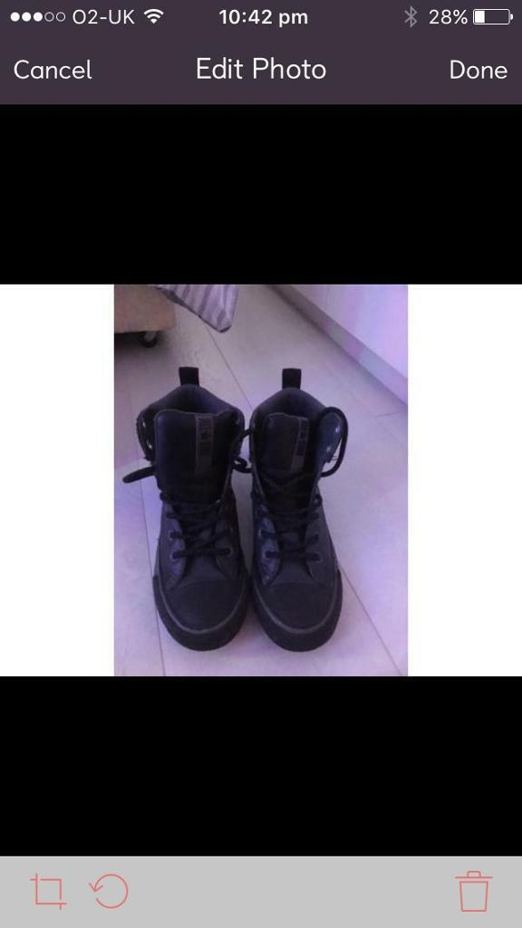 Black leather converse boots excellent condition size 2