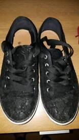 Womens trainers size 6