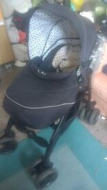 Silver cross pram amazing pram great from birth Has rain cover and Carey cott and goes to toddler .