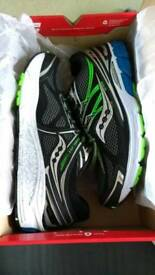 New Boxed Saucony Mens size 8.5 Running Trainers