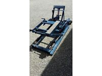 Hydraulic motorbike lift/jack