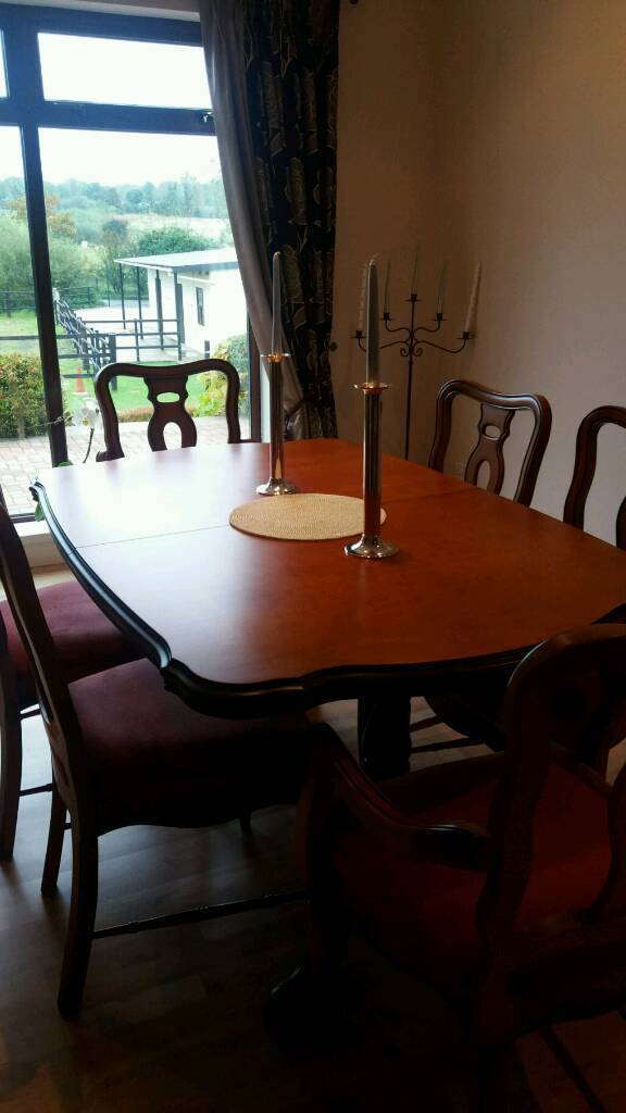 Rossmore Dining Suite (extendable)