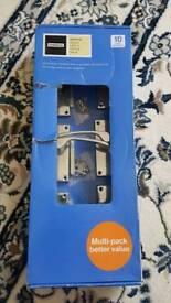 3 door handles