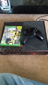 Xbox one, FIFA 17 and one controller in good condition