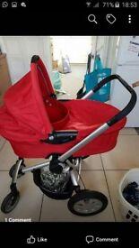 Quinny frame, carrycot, rainwear, maxi cosi car seat