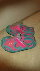 Nike Size 4.5 Poolside Shoes COLLECTION ONLY