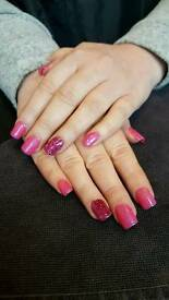 Glasgow and motherwell areas, specialise in nails and threading