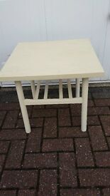 SMALL WHITE COFFEE TABLE IDEAL FOR UPCYCLING