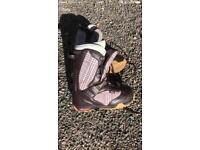 Ladies VANS snowboard Boots size 4