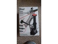 Crivit mini foot pump - brand new fits all standard BMX, racing, touring and mountain bikes RRP 20