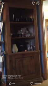 Corner display unit in perfect condition.