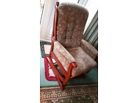 ROCKING CHAIR WITH BROWN/CREAM PATTERN MATERIAL