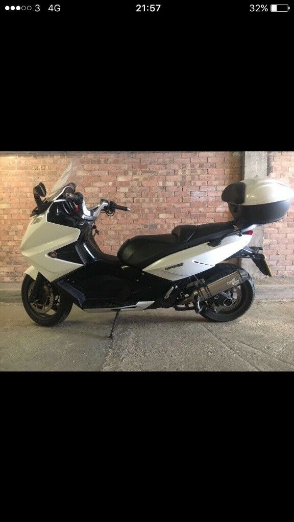 Gilera GP 800 2009 full service history malossi variator full titanium Leo vince exhaust hpi clear