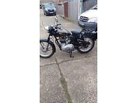 Lovely Royal Enfield 350 Bullet with extras. 2007
