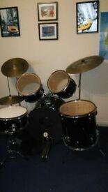 accoustic drum kit