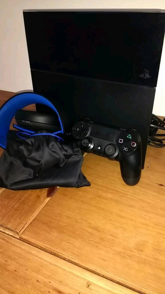 Ps4 console with controller and headset