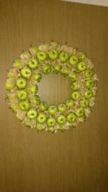 Polosterine apple wreath