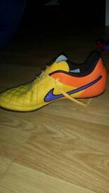 Nike tiempo football boots size 3