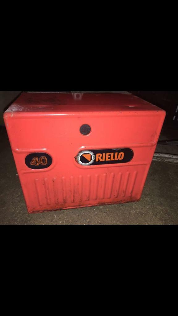 Riello 40 oil fired burners all serviced and in very good condition 3 month warranty £70