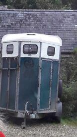 Hudson double horsebox
