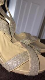 GLITTER WEDGES SIZE 4