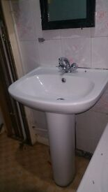 Bathroom sink, used,1 year old, very good condition.