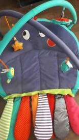 Mamma's and Papa's Octopus sensory baby play mat tummy time