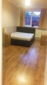 Large double room in house in Soham cambs