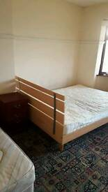 Double room available on kettering road