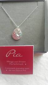 Pia silver necklace with disc & blue stone
