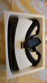Samsung Gear VR Virtual Reality Headset Boxed - Excellent Condition Rarely Used