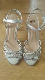 New Look teen heels size 5/38